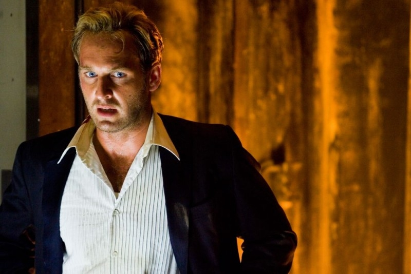 Josh Lucas in una sequenza di Poseidon