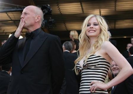 Bruce Willis e Avril Lavigne a Cannes per presentare La gang del bosco