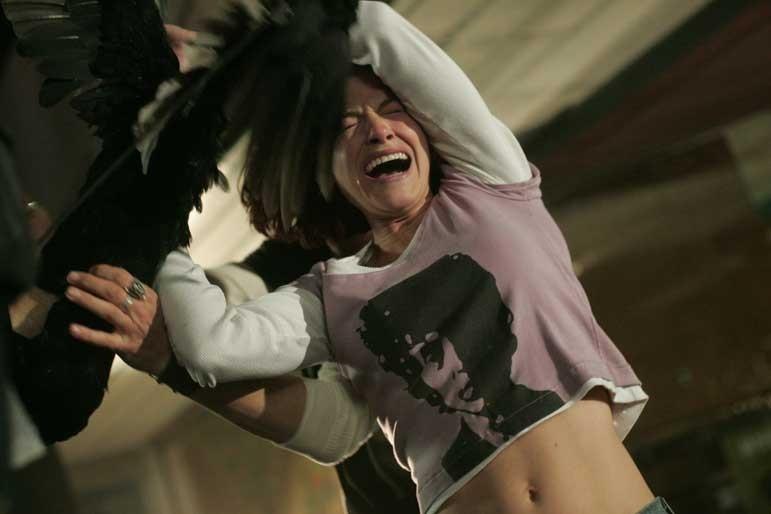 Kelly Overton in una scena di 'Desperation'