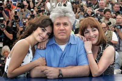 Penélope Cruz, Pedro Almodóvar e Carmen Maura a Cannes per presnetare Volver