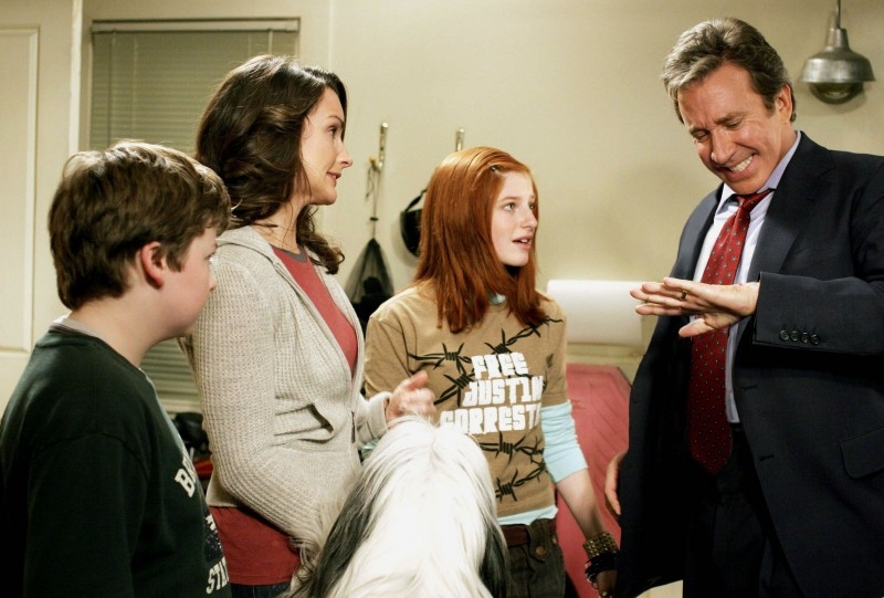 Spencer Breslin, Kristin Davis, Zena Grey e Tim Allen in una scena di The Shaggy Dog