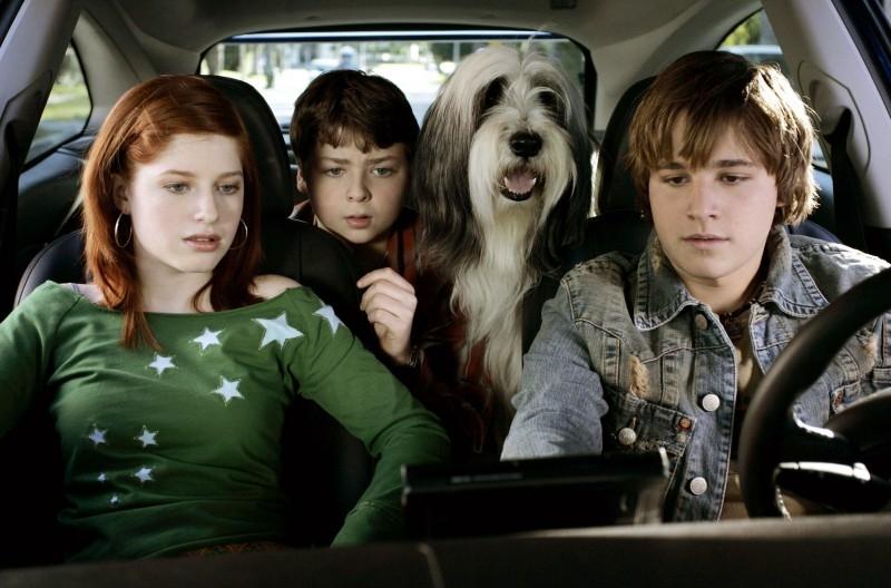 Zena Grey, Spencer Breslin e Shawn Pyfrom in una scena di The Shaggy Dog
