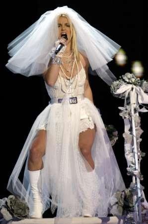 Britney Spears canta Like a Virgin