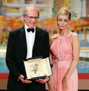 Il vincitore della Palma d'oro Ken Loach con Emmanulle Béart