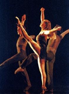 Una scena di One Last Dance del 2003