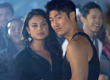 Nathalie Kelley e Brian Tee in The Fast and the Furious