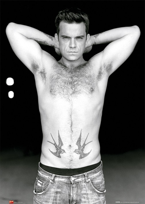 Robbie Williams supersexy a torso nudo.