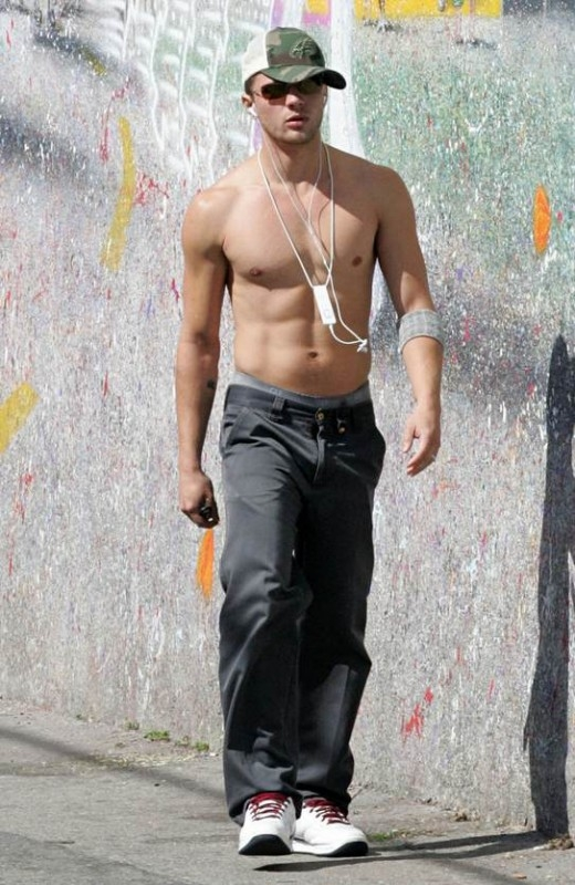 Ryan Phillippe a torso nudo