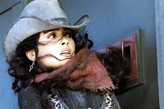 Un primo piano di Salma Hayek in Bandidas