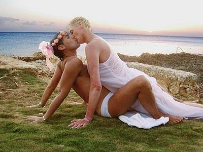 Una foto del terzo matrimonio di Brigitte Nielsen
