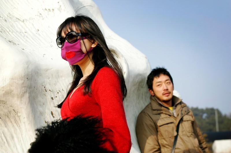 Sung Hyun-ah con Ha Jung-woo in una scena del film Time