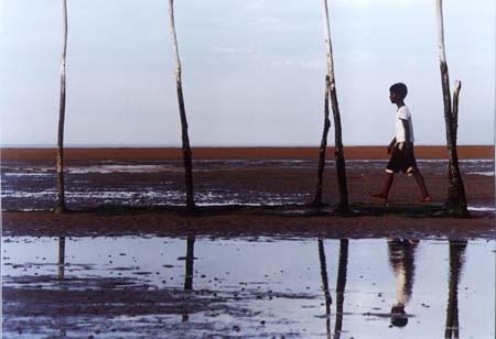 Una scena del film L'isola di ferro