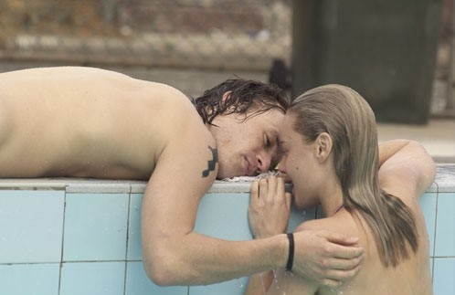 Abbie Cornish con Heath Ledger in Paradiso + Inferno