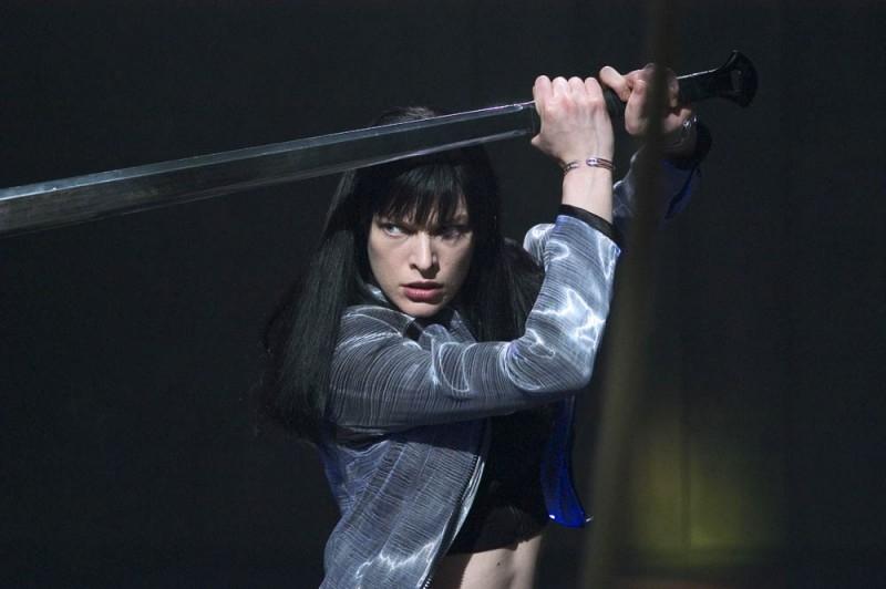 Una grintosa Milla Jovovich in una scena di Ultraviolet