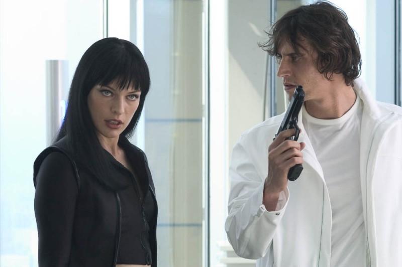Milla Jovovich in una scena di Ultraviolet, diretto da Kurt Wimmer nel 2006