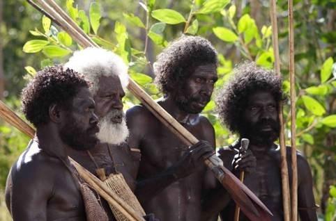 Peter Djigirr, Richard Birrinbirrin, Crusoe Kurddal e Johnny Buniyira in Dieci canoe