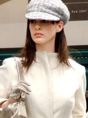 Anne Hathaway nel film Il diavolo veste Prada