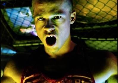 Brad PItt in una inquietante foto promo per Fight Club