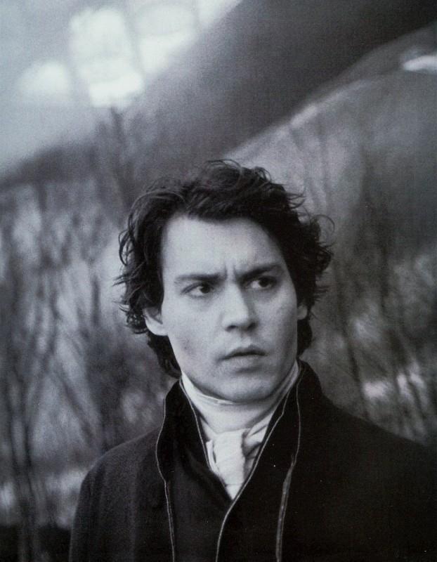 Il fascinoso Johnny Depp in una foto promozionale per Il mistero di Sleepy Hollow