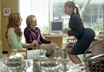 Alyson Hannigan, Adam Campbell e Valery Ortiz in una scena del film Hot Movie