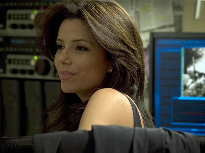 La bella Eva Longoria in una scena del film The Sentinel