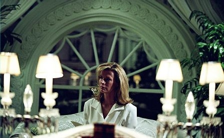 Kim Basinger in una scena del film The Sentinel