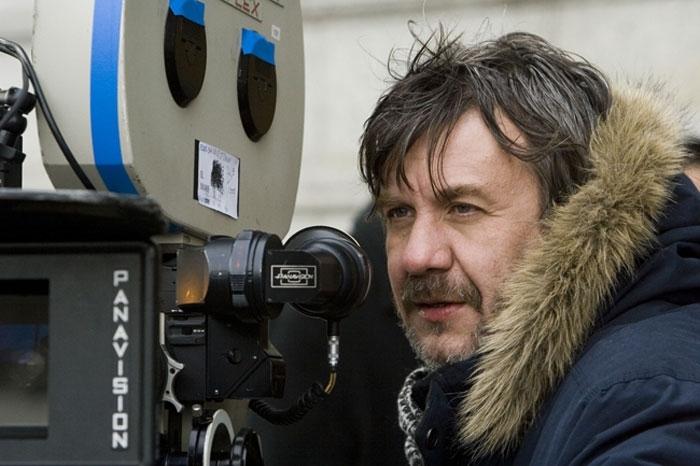 Il regista Alejandro Agresti sul set del film La casa sul lago del tempo