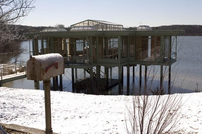 Una scena del film  La casa sul lago del tempo