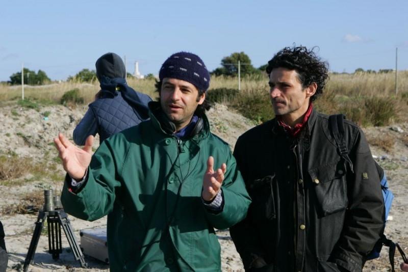 Il regista Gian Paolo Cugno con Enrico Lo Verso sul set del film Salvatore - Questa è la vita