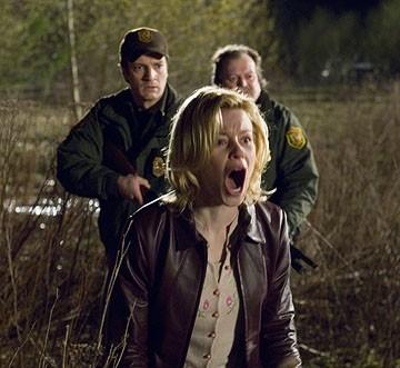 Nathan Fillion, Elizabeth Banks e Don Thompson in Slither