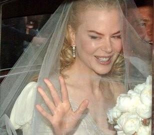 uan sorridente Nicole Kidman nel giorno del suo matrimonio con Keith Urban