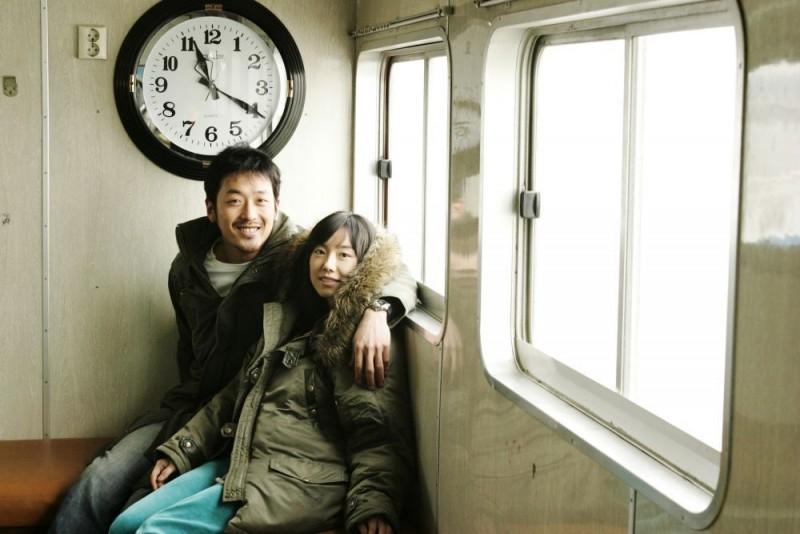 Sung Hyun-ah e Ha Jung-woo in una scena del film Time