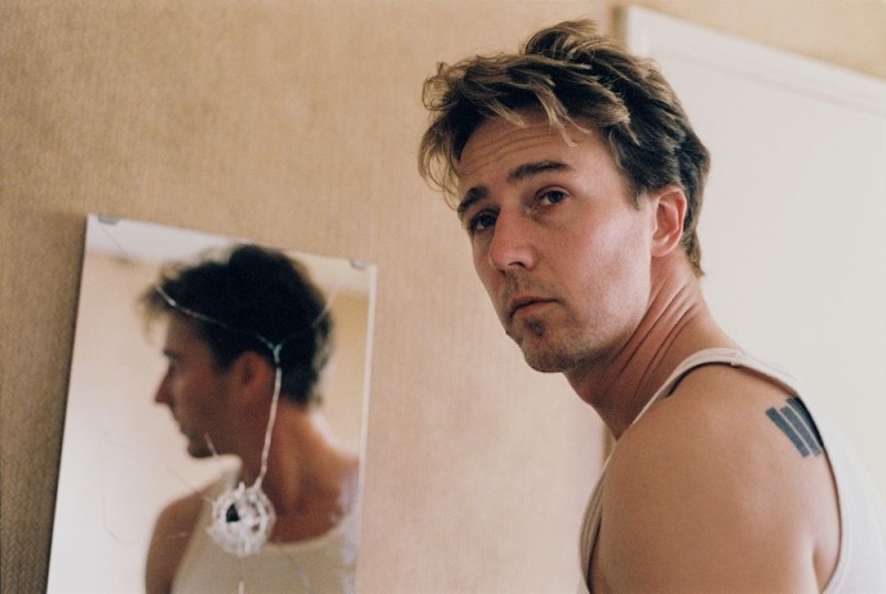 Edward Norton in una scena di Down in the Valley