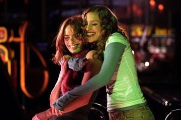 Lena Headey e Piper Perabo in Imagine Me & You