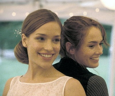 Piper Perabo e Lena Headey in Imagine Me and You.jpg