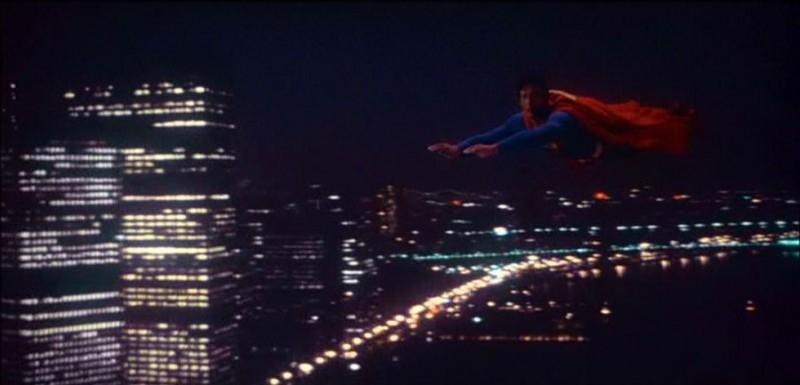 Christopher Reeve in una bella scena di SUPERMAN