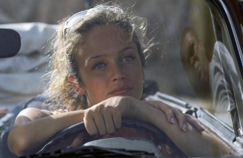 Francesca Cavallin in una scena di Vita Smeralda