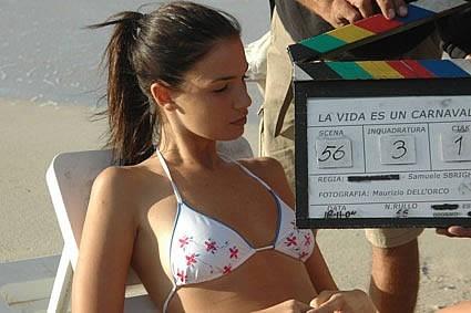 Lucia Ceracchi sul set del film la Vida es un Carnaval