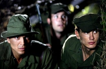 Benjamin Bratt e James Franco in The Great raid