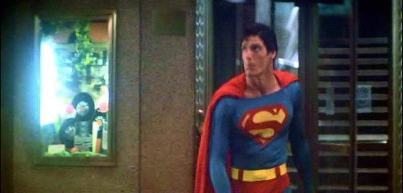 Christopher Reeve in una scena di SUPERMAN, del '78