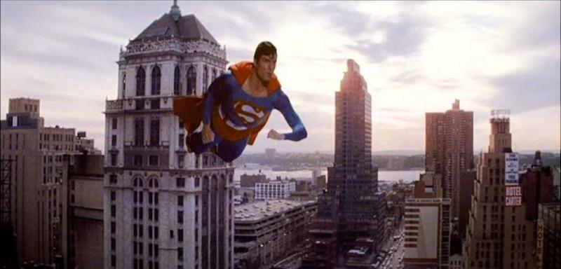 L'attore Christopher Reeve in una scena di SUPERMAN