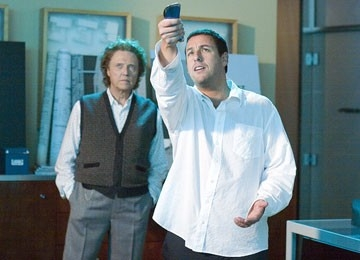 Christopher Walken accanto ad Adam Sandler in Click