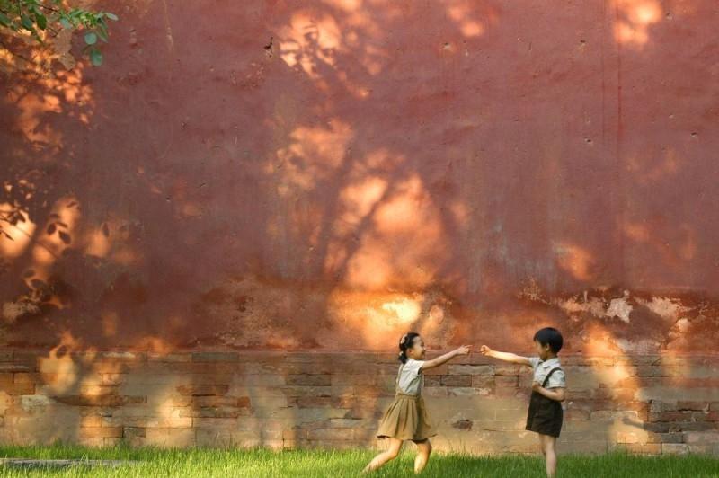 Una scena del film La guerra dei fiori rossi