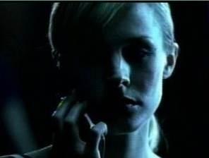 Kristen Bell in una scena di Pulse