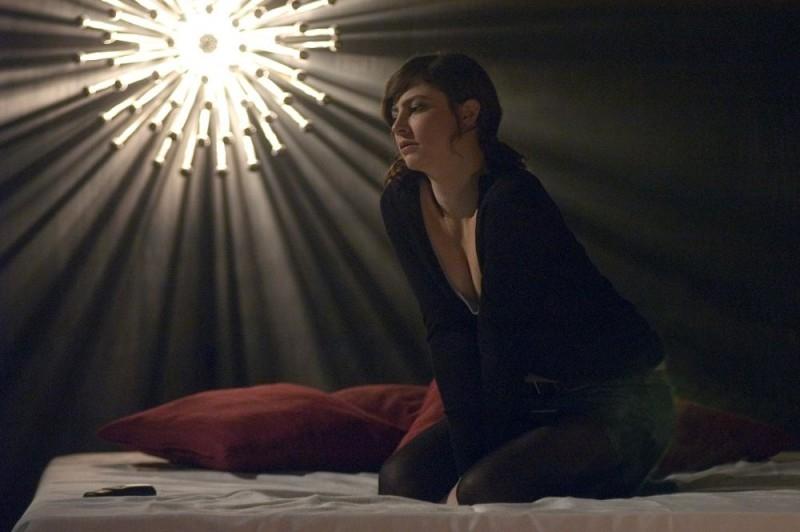 Anna Mouglalis in una suggestiva scena del film Mare Nero