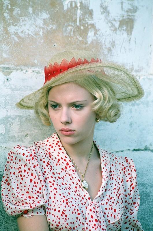 Scarlett Johansson in una scena del film Le seduttrici, del 2004