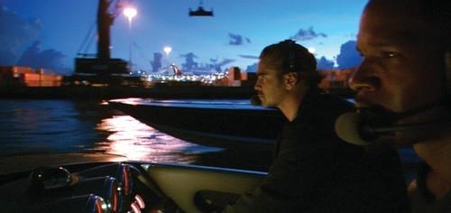 Jamie Foxx e Colin Farrell in una scena del film Miami Vice (2006)