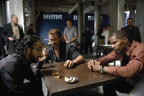 John Ortiz, Colin Farrell and Jamie Foxx in una scena del film Miami Vice