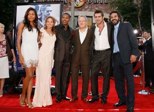 Naomie Harris, Elizabeth Rodriguez, Jamie Foxx, Michael Mann, Colin Farrell e John Ortiz alla premiere di Miami Vice a Los Angeles