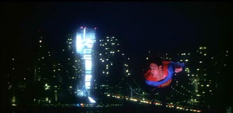 C. Reeve in una scena di SUPERMAN